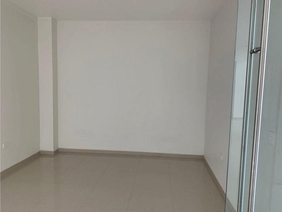 piso de oficinas en edificio nuevo al norte