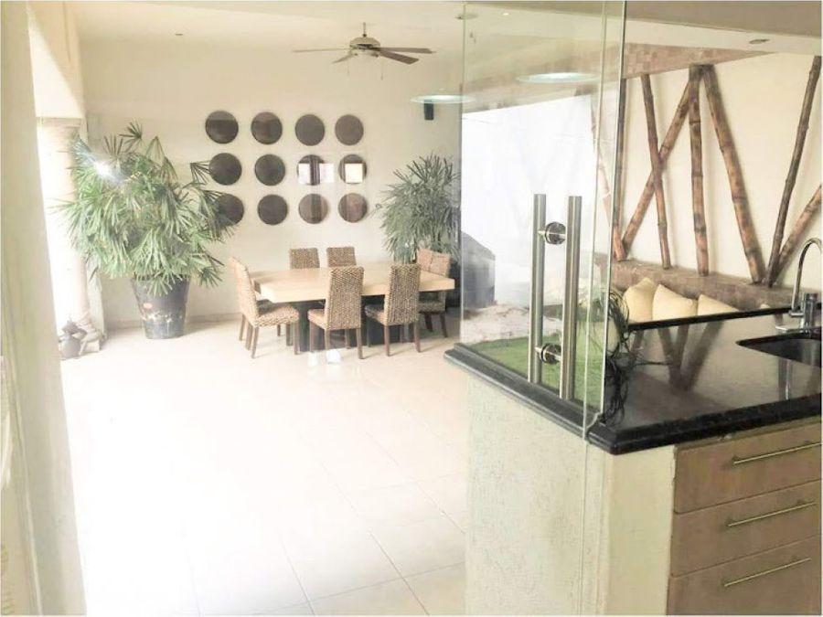 casa en venta al norte en zona calicantos en privada