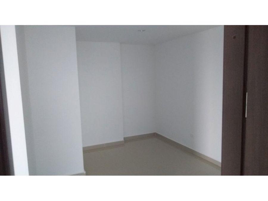 arriendo apartamento de tres habitaciones en crespo