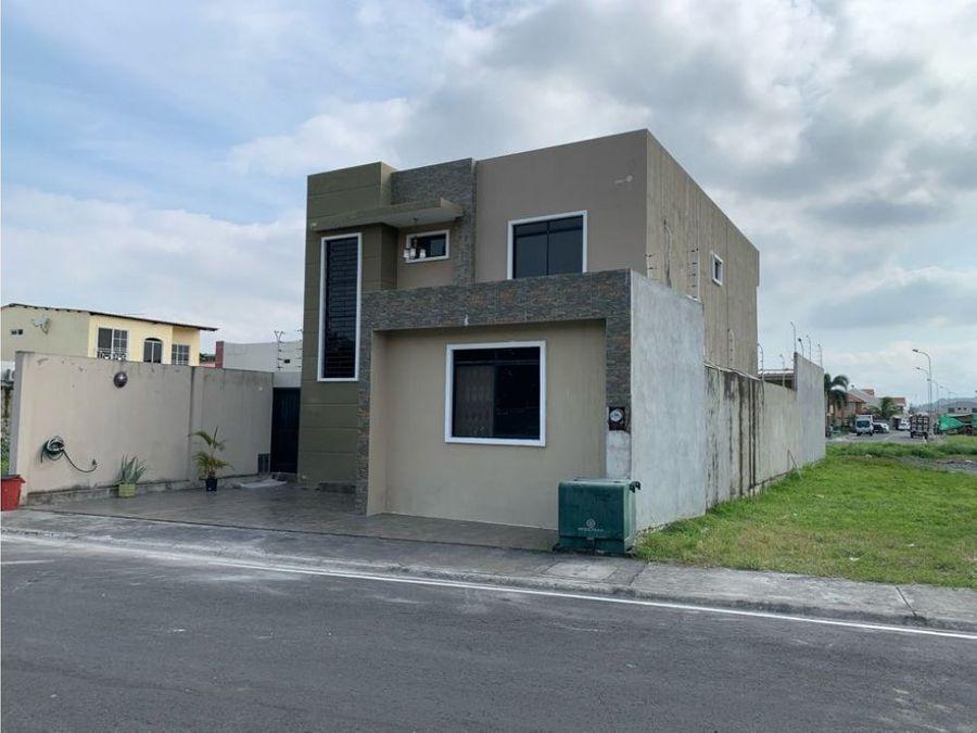 venta casa bifamiliar en urb vicrieel via a la aurora