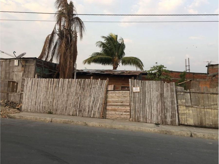 venta de terreno con casa en cdla hector cobos duran