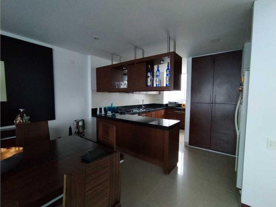 venta de apartamento duplex en el poblado el tesoro