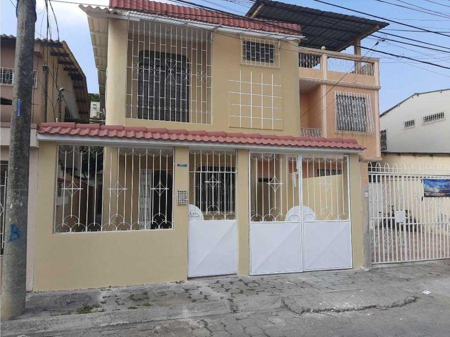 venta de casa de dos planta samanes 1 al norte