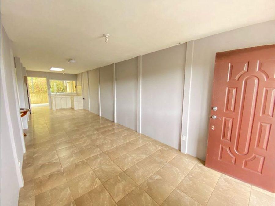 venta de linda propiedad con 2 apartamentos en granadilla