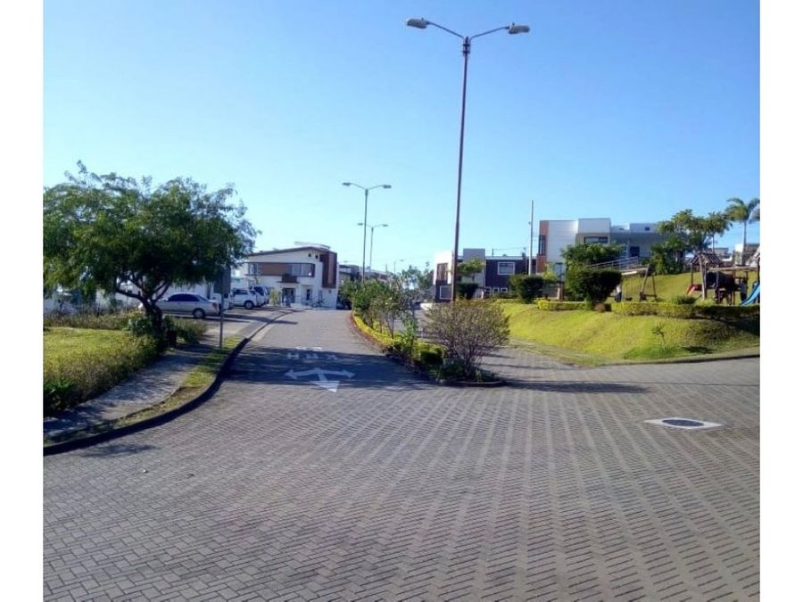 venta lote 202 m2 condominio terrafe heredia