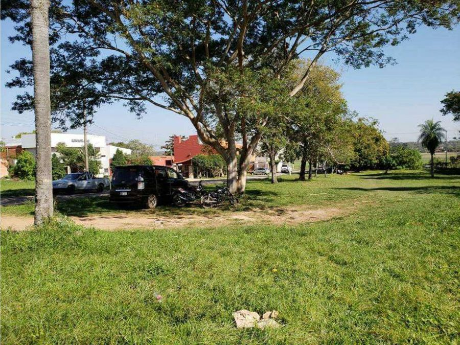 vendo terreno en barrio cerrado zona aeropuerto