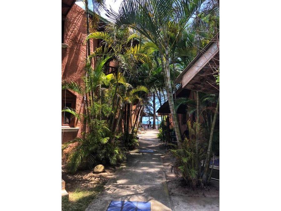 vendo villa frente a la playa en guayacanes