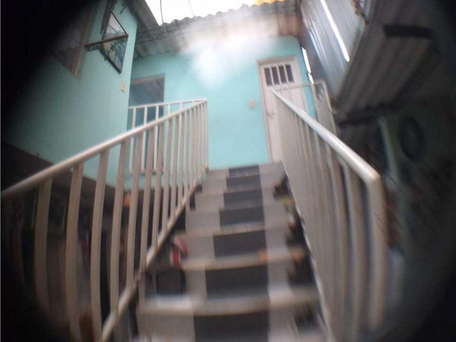 vendo amplia casa lote 300 m2