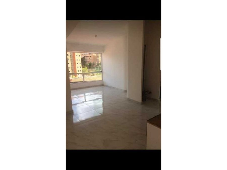 vendo apartamento 6820m2 2hs2b1pe miravila 6840