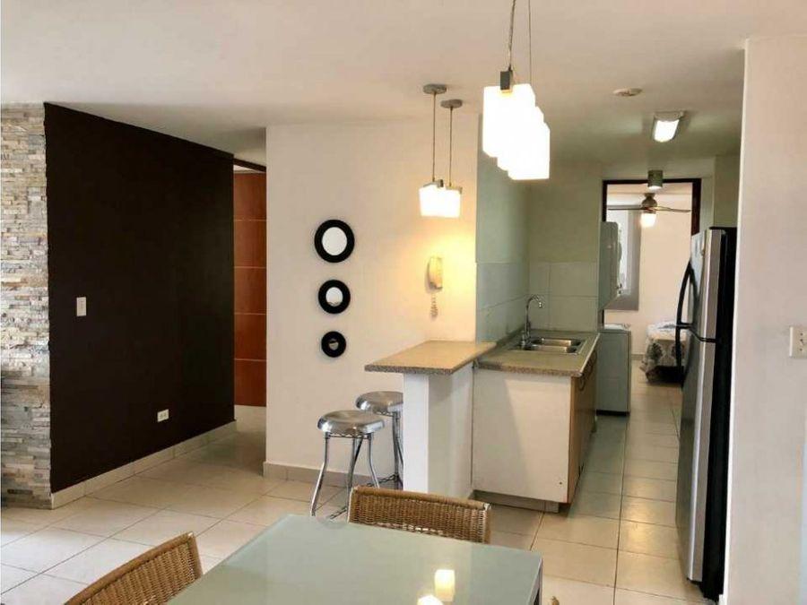vendo apartamento en 12 de octubre 3 recamaras 11500 jh