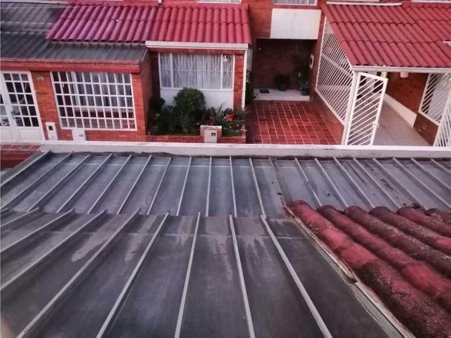 vendo casa de dos pisos barrio llano del tunjo en facatativa
