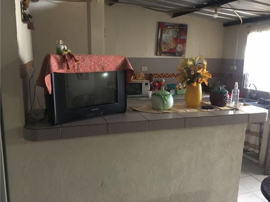 vendo casa rentera en cdla orquideas norte guayaquil