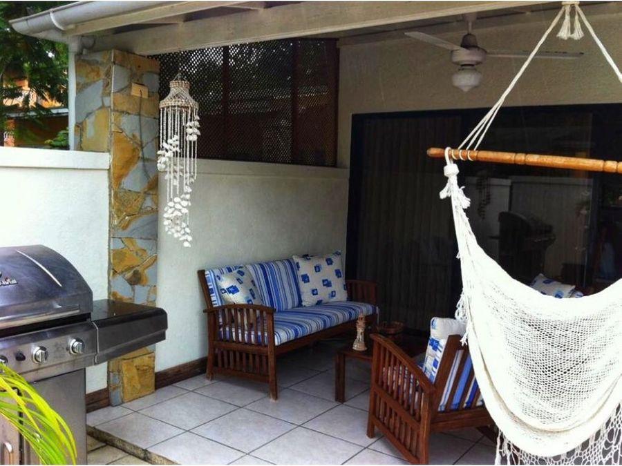 vendo casa en juan dolio con acceso a la playa