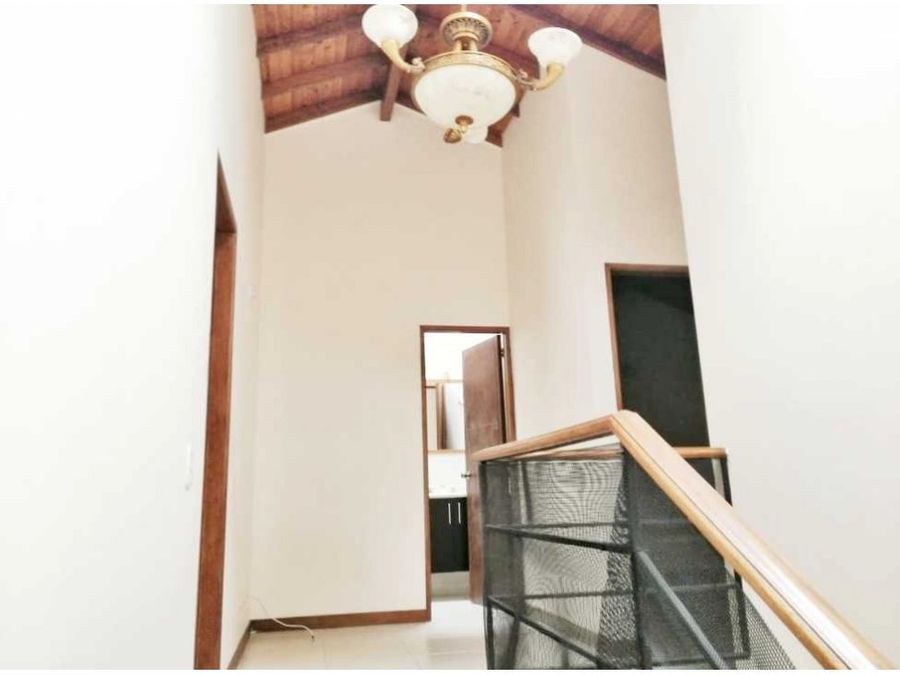 casa en venta rionegro sector llanogrande