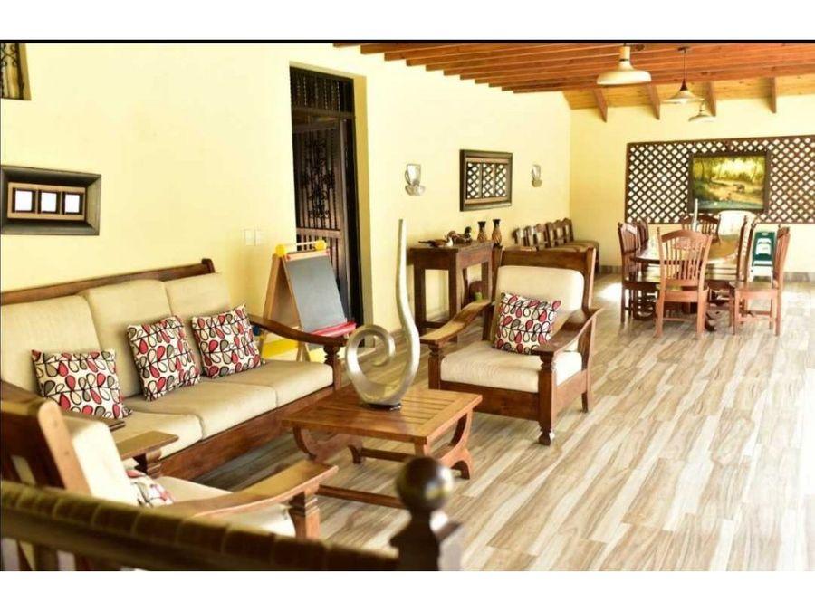villa en jarabacoa usd395 por noche 17 personas