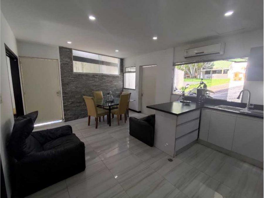 alquilo casa 64m2 2h1b1p colinas del tamanaco 0278