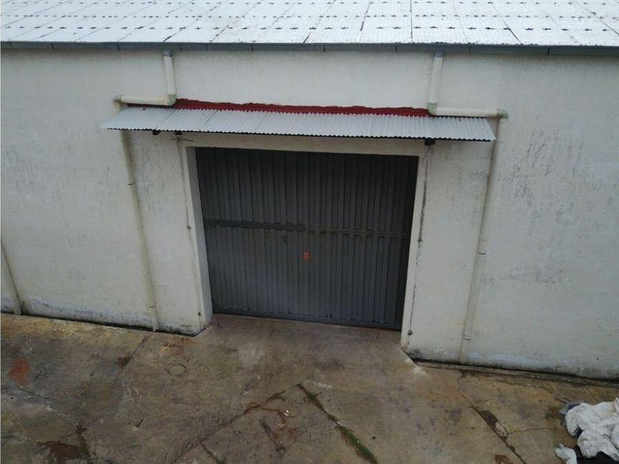 alquilo deposito de 1900 m2 zona artigas