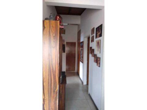 se alquila habitacion 20m2 lomas trinidad