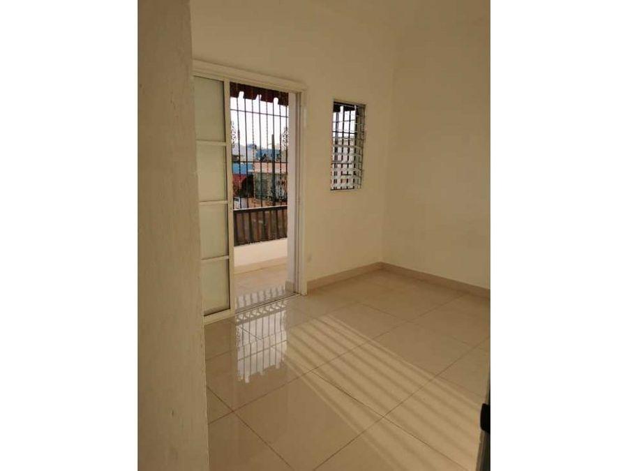 amplio balcon apt 2 hab zona colonial