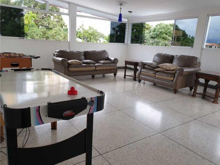 amplia casa al oeste de barquisimeto con piscina