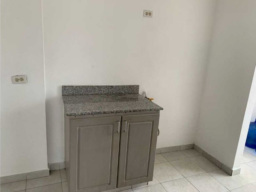 apartamento via espana venta a un costado del palacio del mueble mf