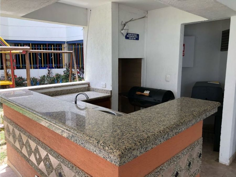 apartamento a media cuadra de la playa en bellohorizonte