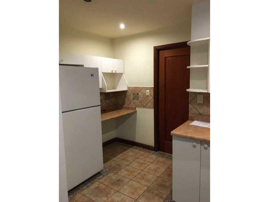 apartamento en renta en edificio excelencia zona 14