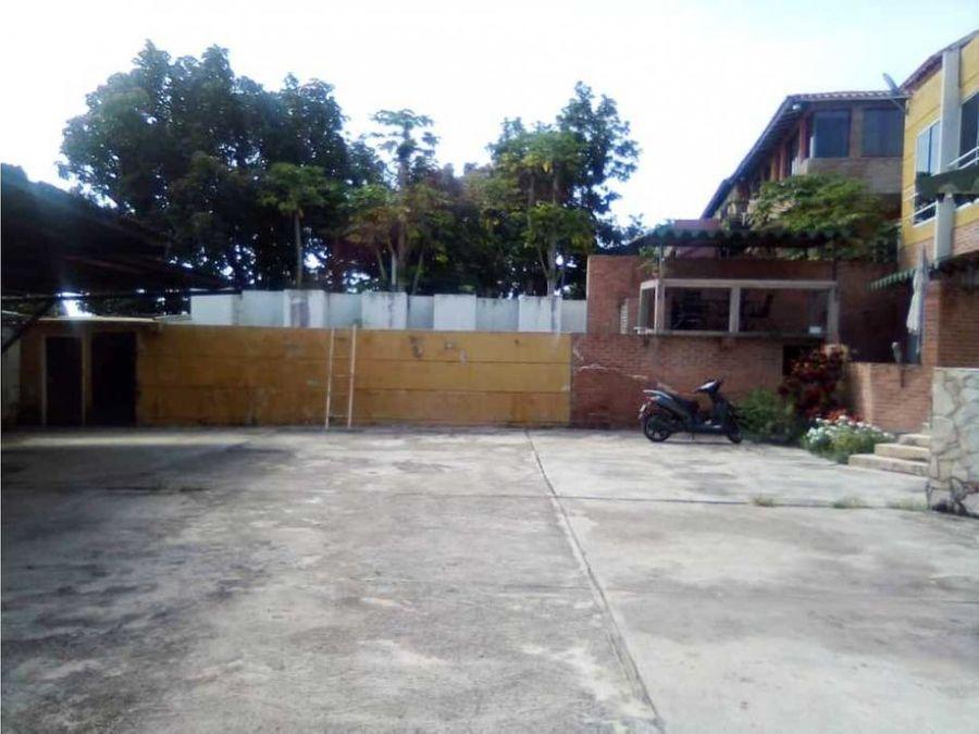 bella casa en venta en colinas de caicaguana