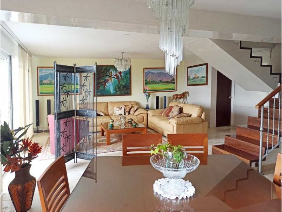 bello townhouse en venta en loma linda con inigualable vista