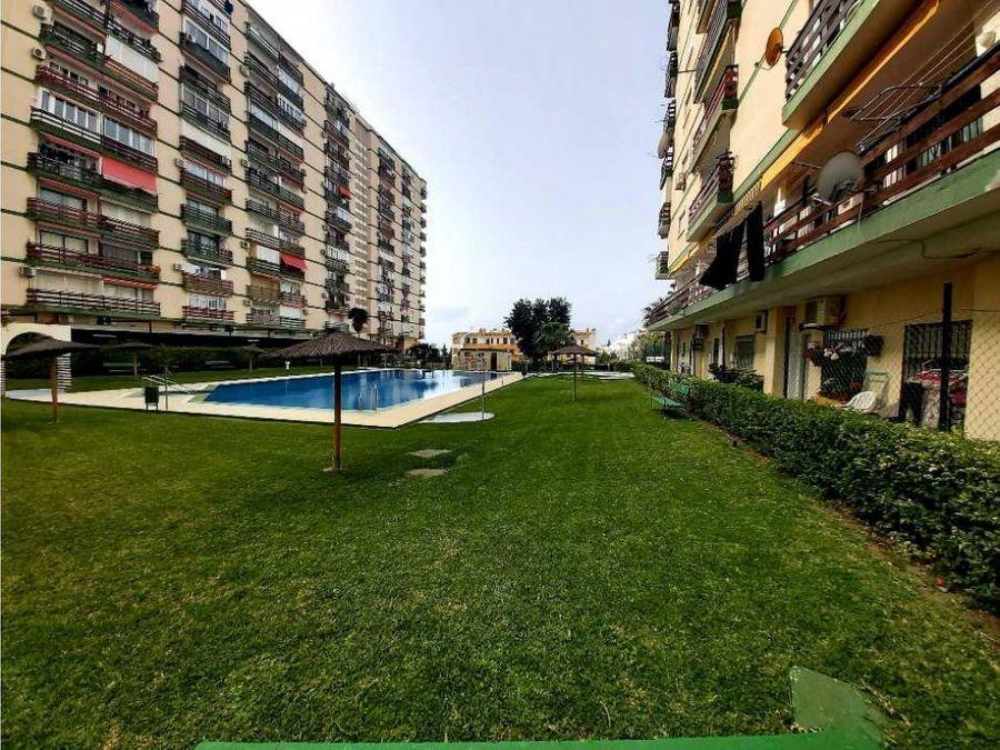 bonito piso en benalmadena urbanizacion las naciones