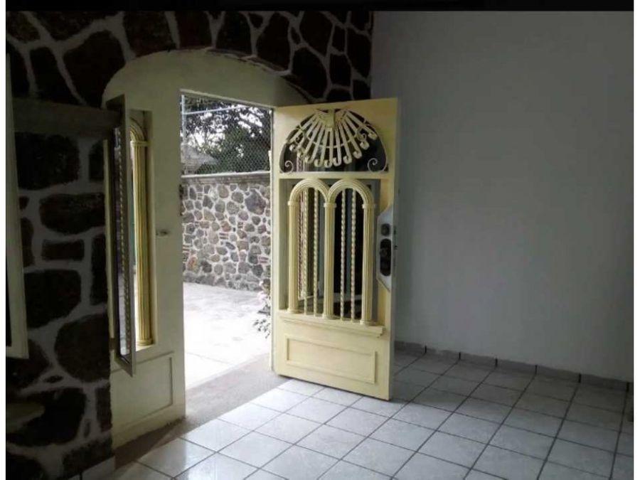 bonita casa de un nivel en cuernavaca