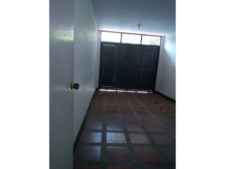 casa con amplios espaciossector tranquilo
