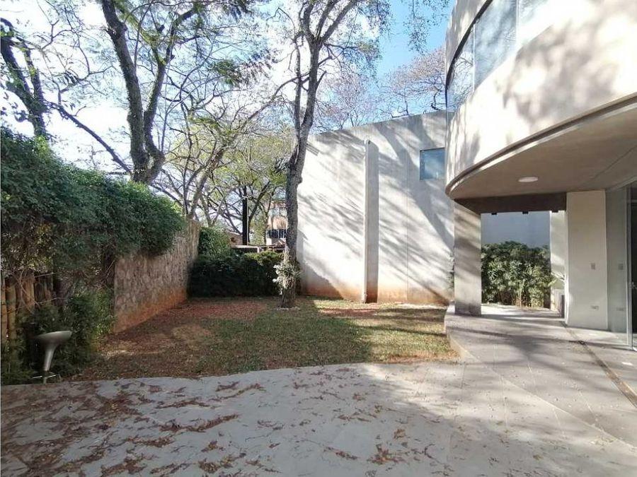 casa de 350m2 en barrio cerrado super seguro y rodeado de naturaleza