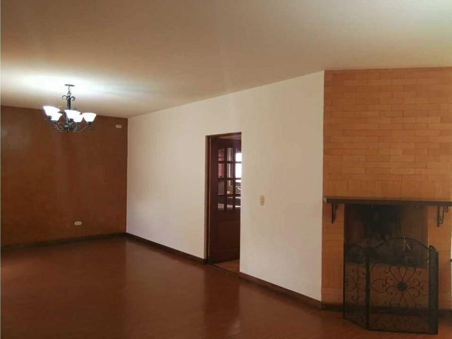 casa en renta zona 16 bulevar acatan