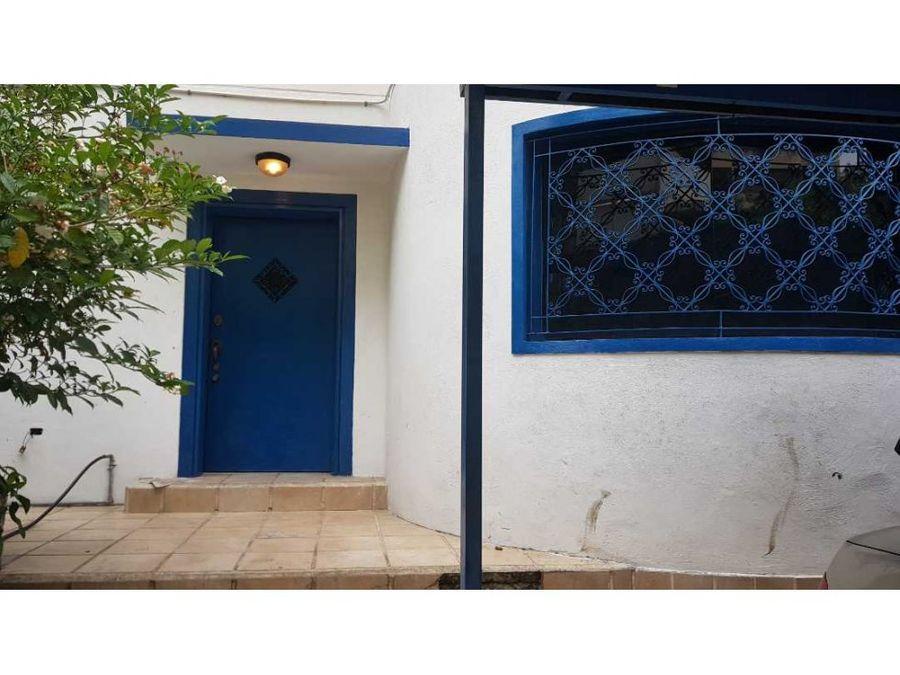 casa en venta en guaicaipuro sur