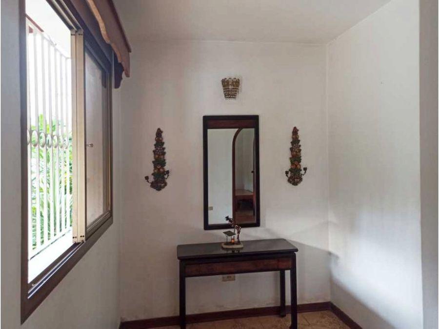 casa en venta en la urb miranda con vista al avila