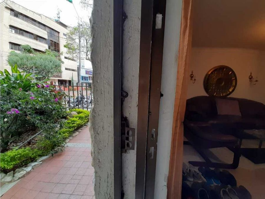 edificio academia hotel clinica venta zccial turistica cali