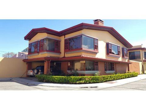 espectacular casa en venta moravia los colegios