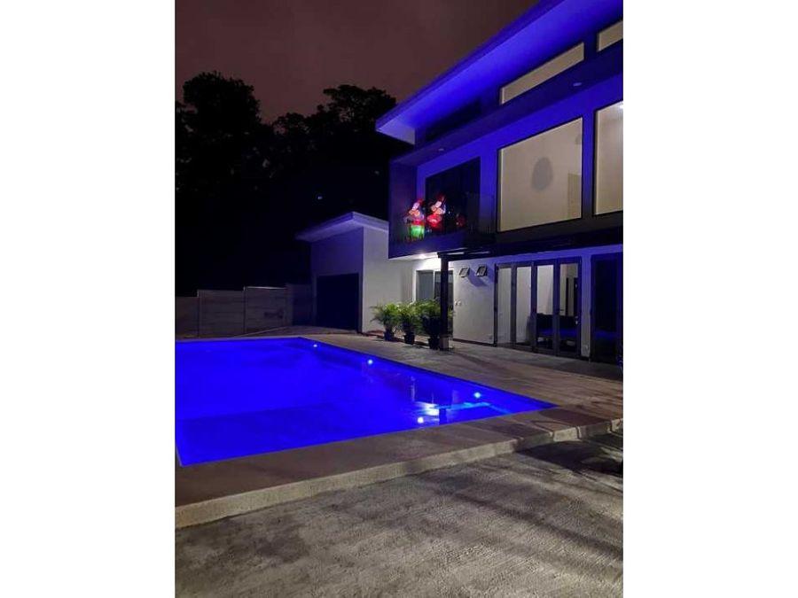 hermosa casa en venta con finos acabados