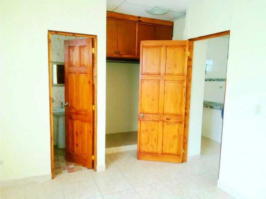kg apartamento tipo estudio vacio