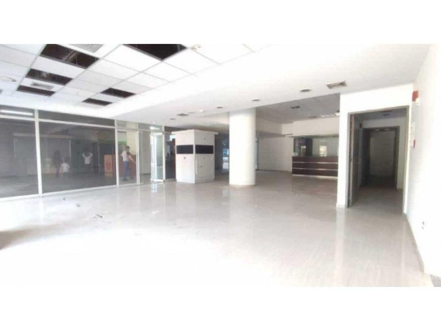 local comercial en alquiler centro comercial los chaguaramos