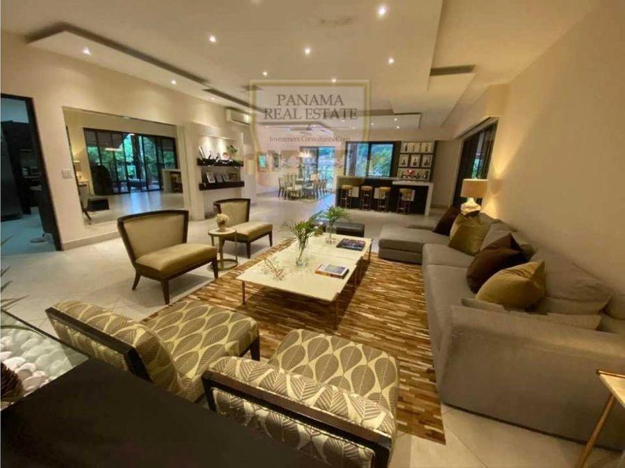 lujoso penthouse en embassy club con linea blancaen clayton lisa