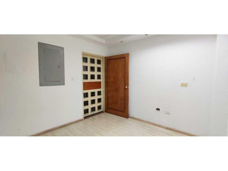 oficina amplia en alquiler torre milenium barquisimeto