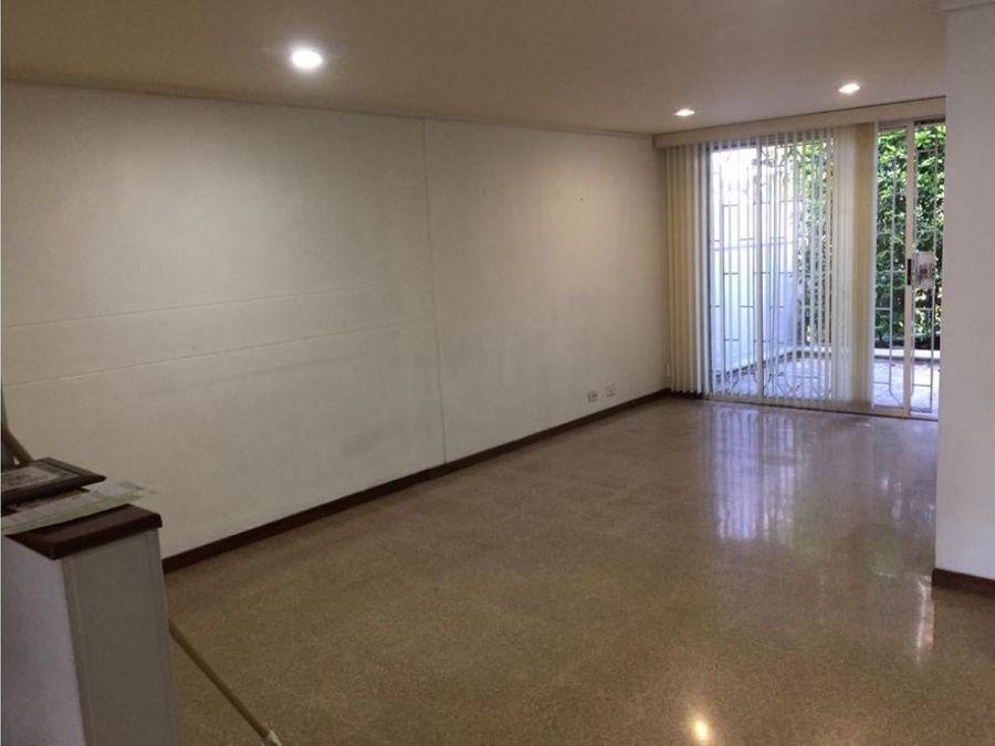 ofrezco casa de 3 niveles en loma de los bernal