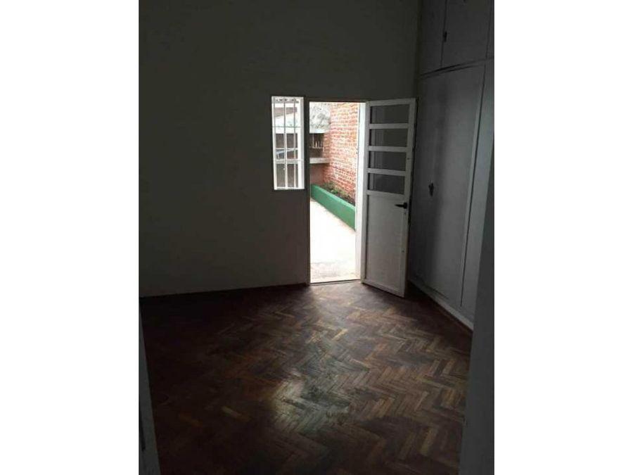 parque batlle apartamento tipo casa con parrillero