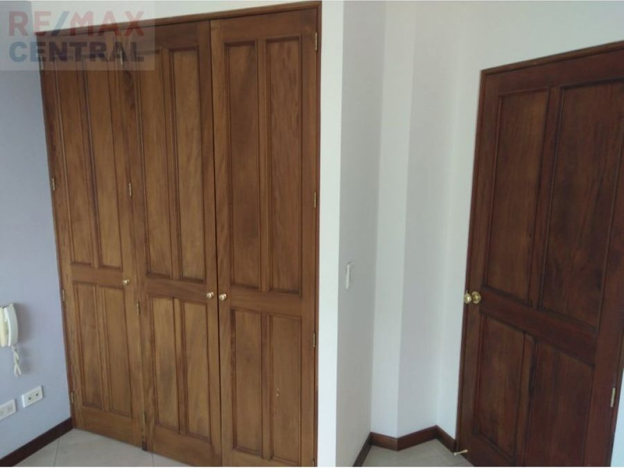 rento apartamento en edificio real de la villa z