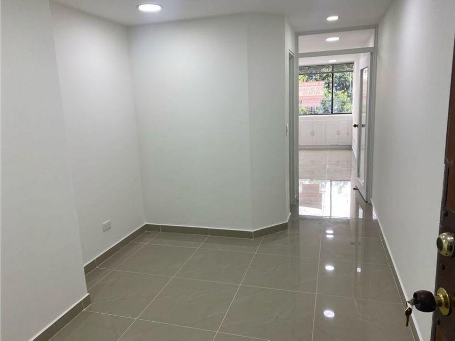 rento oficina frente unicentro edf jorge baron 30 m2 remodelada