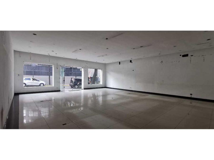 salon comercial en el corazon de villa morra 120m2 con oficina