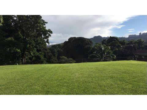se vende terreno 2200m2 valle arriba
