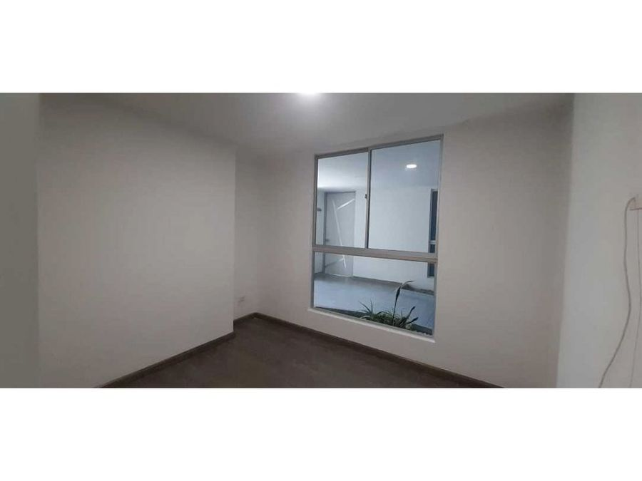 se vende apartamento en torre makana armenia
